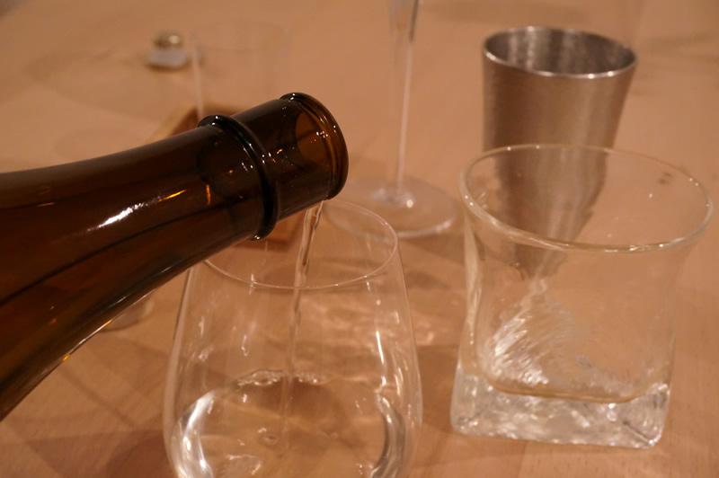日本酒の定期購入サービス「SAKELIFE」から届いた日本酒を色んな酒器で飲んでみました